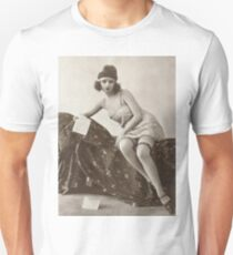 A vintage Lady reading Love letters vintage photograph Unisex T-Shirt
