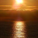 Sonnenaufgang am Meer von Aoife McNulty