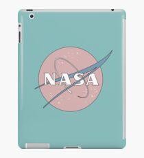 PASTELL NASA iPad-Hülle & Skin