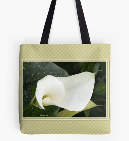 Creamy Soft and Gracefully Curved Tote Bag