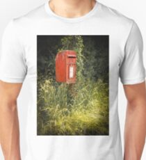 English Royal Mail postbox Unisex T-Shirt
