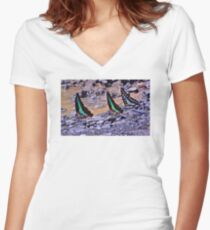 COLOURS OF THE JUNGLE Women's Fitted V-Neck T-Shirt