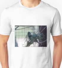 bird on the meadow T-Shirt