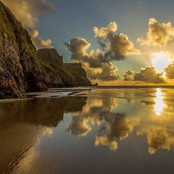 Sun rise on the beach by ELUNED