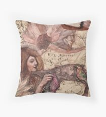 Mon Esprit Voyageur - Feathered Herald of Dreams Throw Pillow