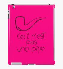 Ceci n'est pas une pipe (full) iPad Case/Skin