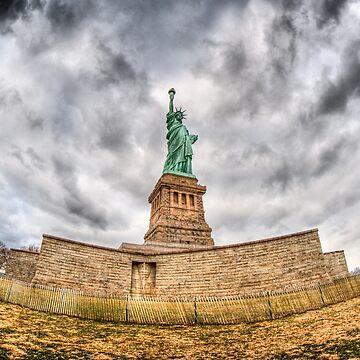 Liberty Statue by FelipeLodi