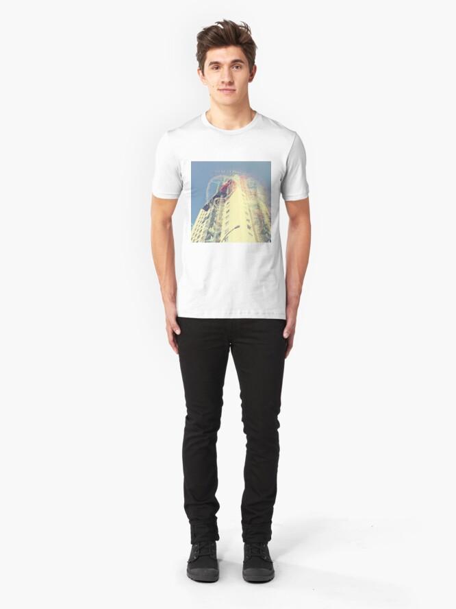 Vista alternativa de Camiseta ajustada rascacielos