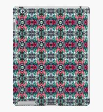 festive Christmas holly pattern iPad Case/Skin