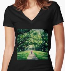 Painted Plantation Women's Fitted V-Neck T-Shirt