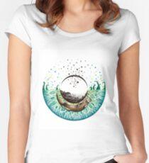Blue-Green Otter Eye Women's Fitted Scoop T-Shirt