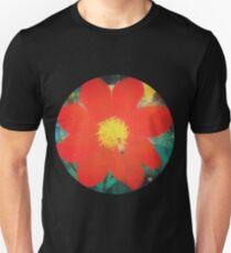 VINTAGE RED FLOWER INDIA Unisex T-Shirt