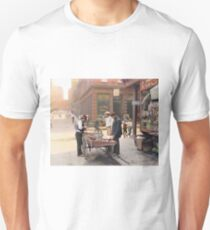 Clam seller on Mulberry Bend, New York, ca 1900 Unisex T-Shirt