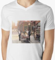 Clam seller on Mulberry Bend, New York, ca 1900 V-Neck T-Shirt