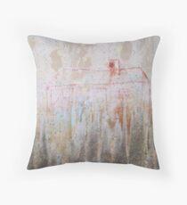 Haus im Regen Throw Pillow