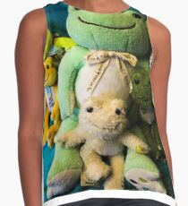 pickles frog family Contrast Tank