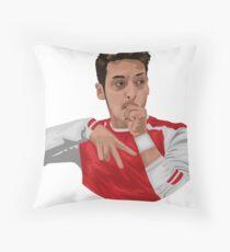 mesut ozil Throw Pillow