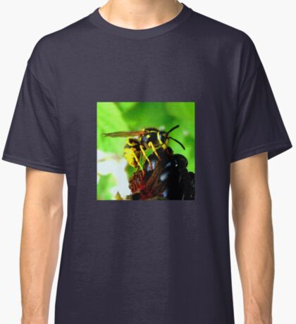 Blackberry with wasp Classic T-Shirt