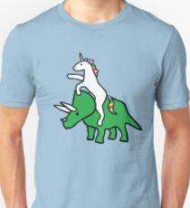 Einhorn Reiten Triceratops Slim Fit T-Shirt