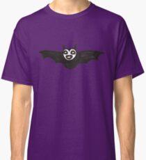 a happy bat Classic T-Shirt