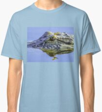 Dragonfly on the alligator eye Classic T-Shirt