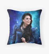 The queen in the stars Throw Pillow