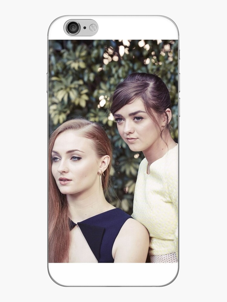 sophie turner and maisie williams / mophie by teapartylarry