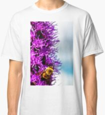 bumble bee at work Classic T-Shirt
