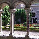 Abbaye de Fontfroide by Adamdabs