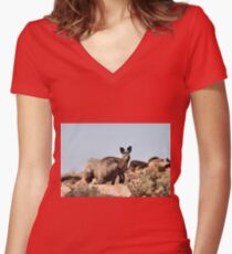 Western Grey Kangaroo Women's Fitted V-Neck T-Shirt