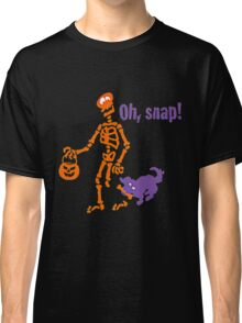 FUNNY SKELETON BITE BY CAT Classic T-Shirt