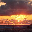 Paddling into sunset by zumi