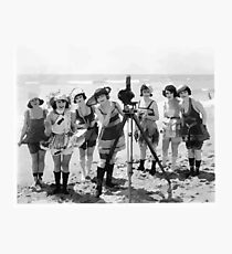 Old timey beach girls & camera Photographic Print
