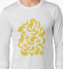 Banana pattern on turquoise background T-Shirt