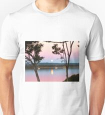 Framing the Super Moon! Tin Can Bay, Queensland. T-Shirt