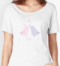Two Cartoon Love Birds Kissing Women's Relaxed Fit T-Shirt