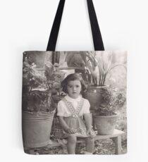 una bambina...in mezzo ai vasi di fiori .....Italy... 4300 VISUALIZZAZ.AGOSTO 2014 - &&&& VETRINA RB EXPLORE 12 SETTEMBRE 2012 !!!! Tote Bag