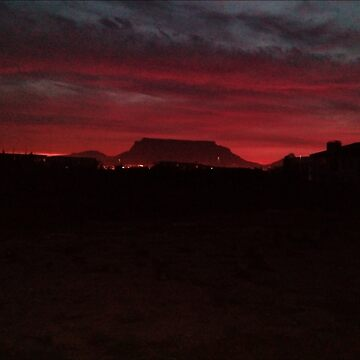 Fiery Sunset - Table Mountain by Kuilz