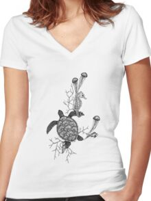 Sea Life Women's Fitted V-Neck T-Shirt