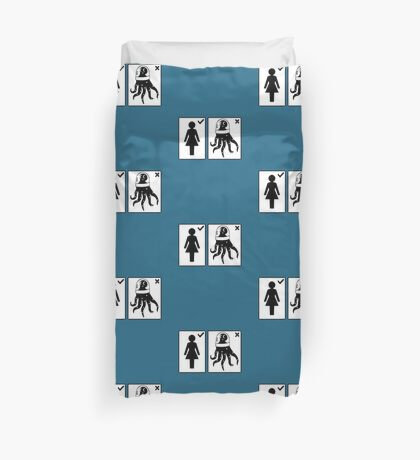 Sorry, I only date humanoids (female) Duvet Cover
