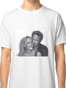 Gillian Anderson and David Duchovny Classic T-Shirt