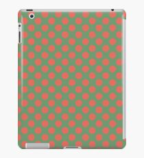 Fun Christmas red dots on green background pattern  iPad Case/Skin