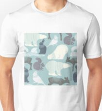 Winter forest animals large print T-Shirt