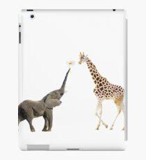 The giraffe and the elephant iPad-Hülle & Klebefolie