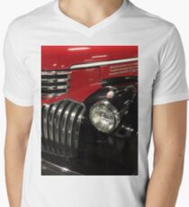 Classic 1946 Chevrolet Pickup Truck profile Men's V-Neck T-Shirt