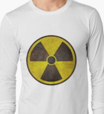 Radioactive Fallout Symbol - Scratched T-Shirt