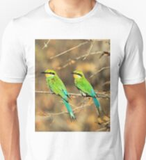 Bee-eater Greens - Mother and Chick of Spring T-Shirt