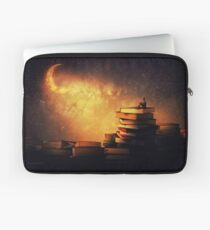 Midnight tale Laptop Sleeve