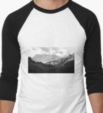 Der Alpen Aussichtspunkt Men's Baseball ¾ T-Shirt