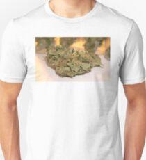 Fire Cookies kush 420 dank cannabis buds. 710 weed T-Shirt